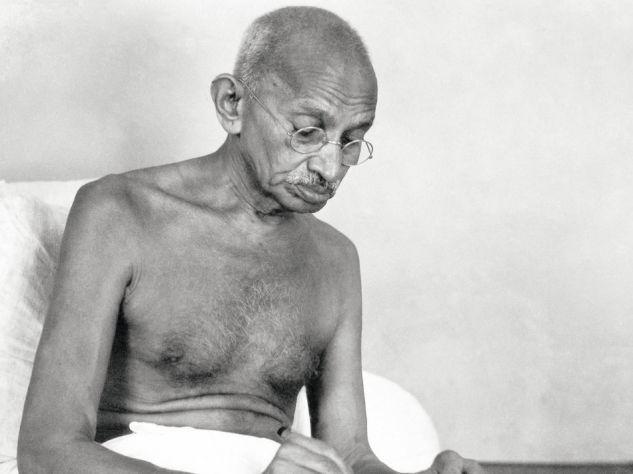 Zwölf Mal wurde Mohandas Gandhi für den Friedensnobelpreis nominiert, zuletzt in seinem Todesjahr 1948. Weil eine postume Verleihung ausgeschlossen ist, verzichtete das Komitee dann komplett auf eine Preisvergabe. Foto: Dinodia Photos / Getty Images