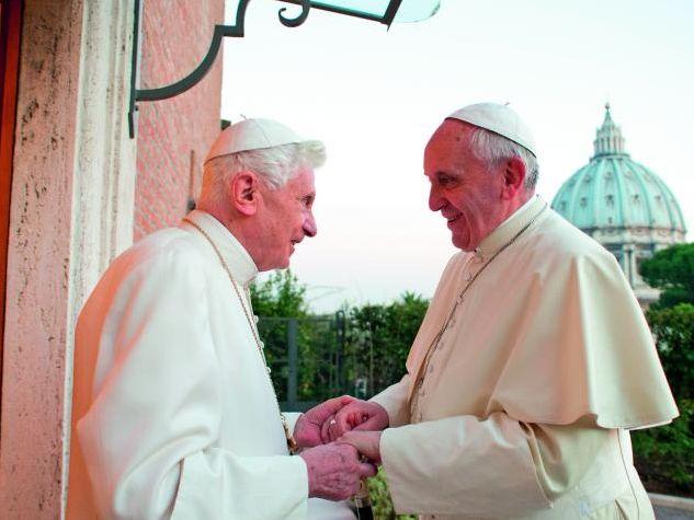 Den emeritierten Papst und seinen Nachfolger Papst Franziskus verbindet ein offenkundig herzliches Verhältnis. Servizio fotograficoOR/CPP